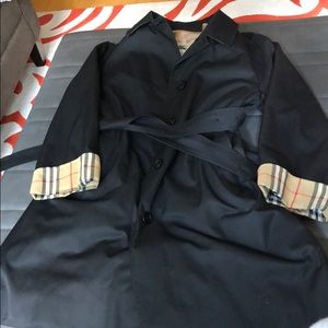 Burberry Trench w/liner.Sz12/14,sleeves shortened.